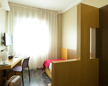 Single Room of the Best Western Hotel Major in Milano. Comfortable and cozy is equipped with satellite Tv LCD 26 inch with Radio and alarm clock, free Wi-Fi and Minibar.