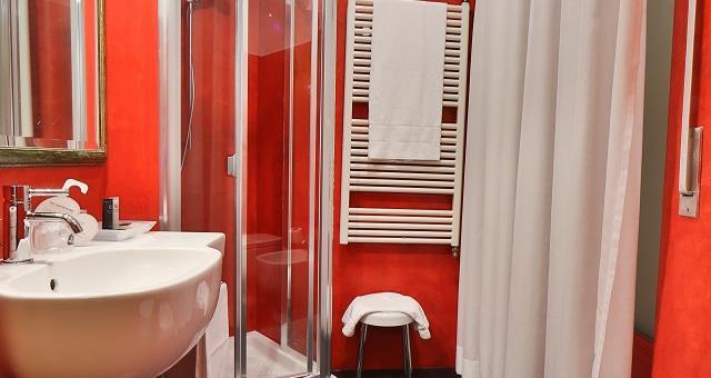 Best western hotel major milano camera tripla - B b barcellona centro bagno privato ...