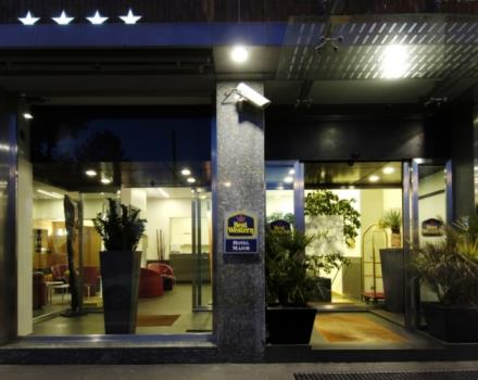 The entrance to the Best Western Hotel Major Milan. 4 star hotel recently renovated with great attention to design and quality of living. Near the center, 50 meters from the metro. 10 mins walking from Bocconi University. Parking.