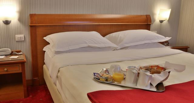 Superior room at the Best Western Hotel Major in Milano. Comfortable and cozy is equipped with satellite Tv LCD 26 inch with Radio and alarm clock, free Wi-Fi and Minibar.